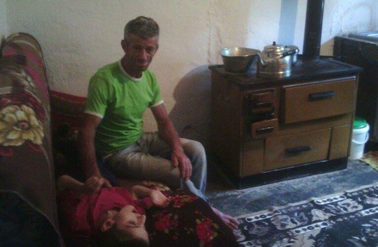 Dy familje të ndihmuara ne Tiranë 2015