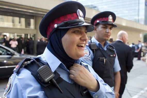 Policja angleze konvertohet në Islam, ja arsyeja