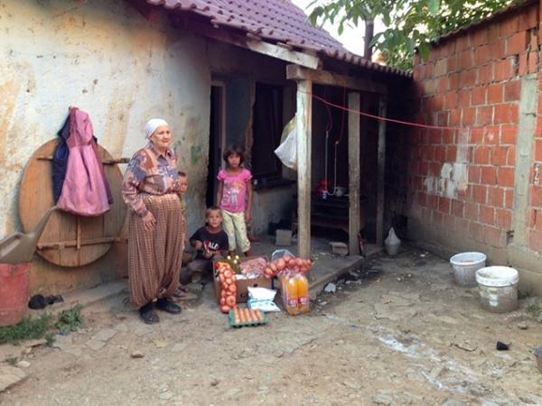 Në Kosovë disa familje u ndihmuan me ushqim