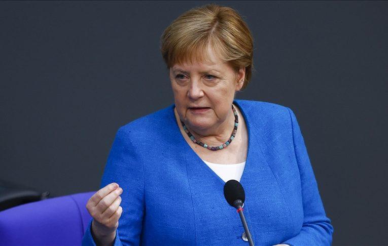 Merkel: Duhet të vendosim në zbatim me shpejtësi axhendën e dialogut me Turqinë