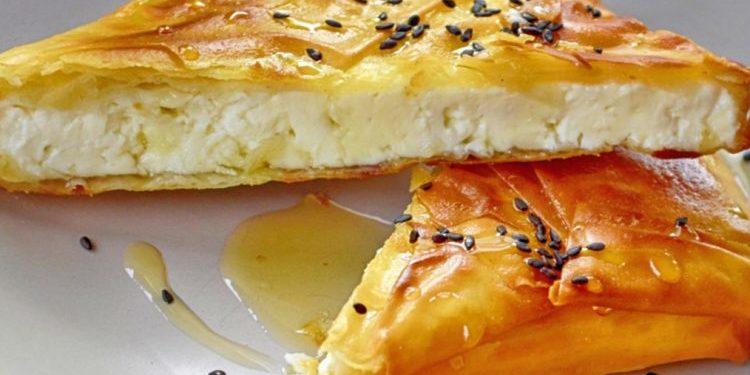 Byreçka me djathë dhe mjaltë
