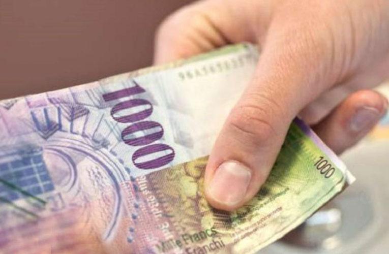 Tregim i dobishëm: A mos vallë i mori Hoxha 1000 franga